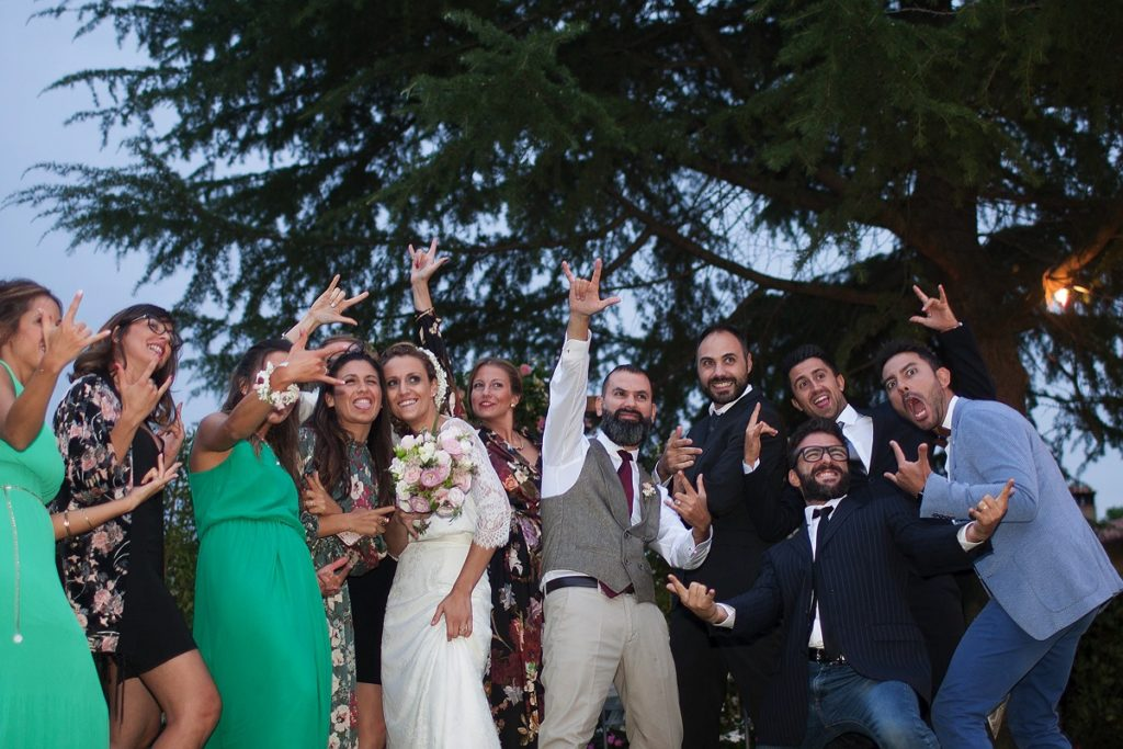Lake Como Weddings Photographer: Friend's Group with Bride and Groom!